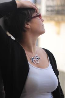 collier en coton blanc. 2014